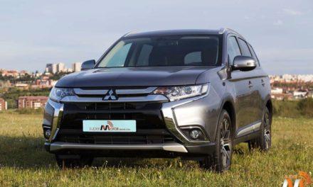 Al volante del Mitsubishi Outlander CVT vs. PHEV