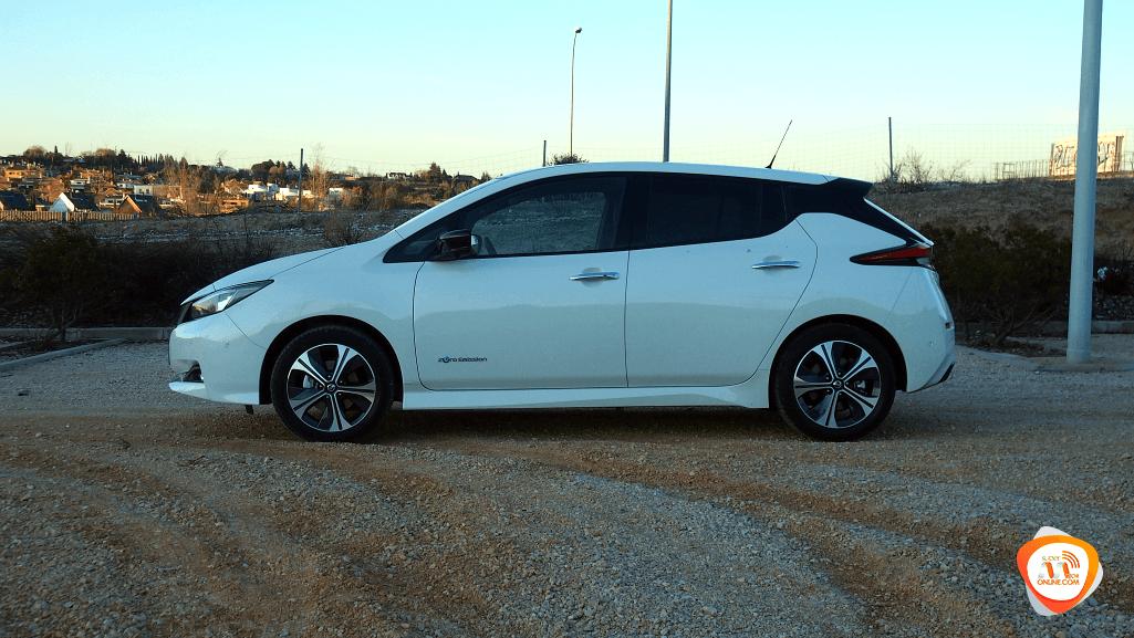 Nissan Leaf 2018 vs. Smart FourFour EQ