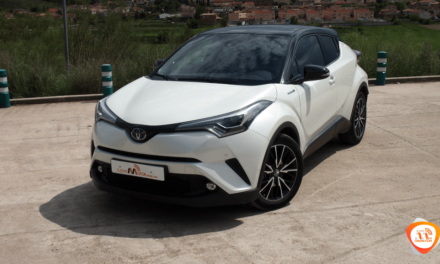 Al volante del Toyota C-HR 2018