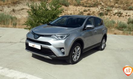 Al volante del Toyota RAV4 Hybrid 2018