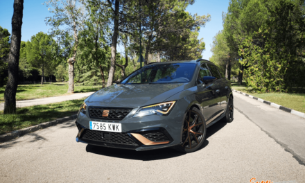 Al volante del SEAT León CUPRA R ST 2019