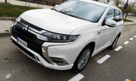 Al volante del Mitsubishi Outlander PHEV 2019