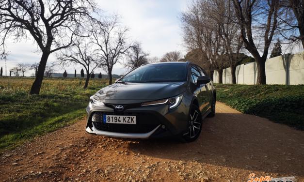 Al volante del Toyota Corolla Touring Sports 2020