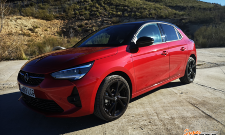 Al volante del Opel Corsa 2020