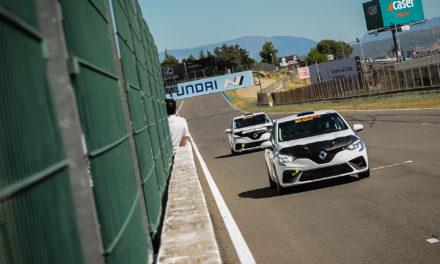 Los nuevos Renault Clio RSR de competición llegan al Jarama