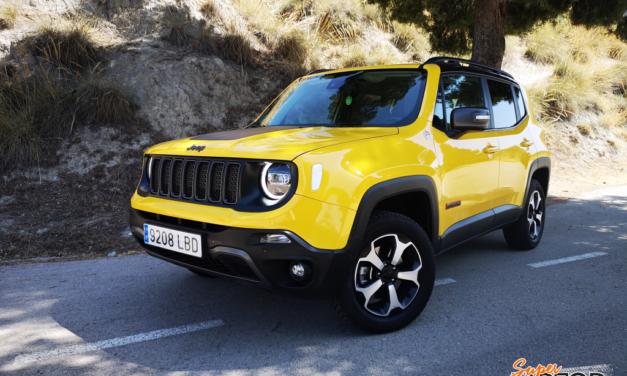 Al volante del Jeep Renegade 2020