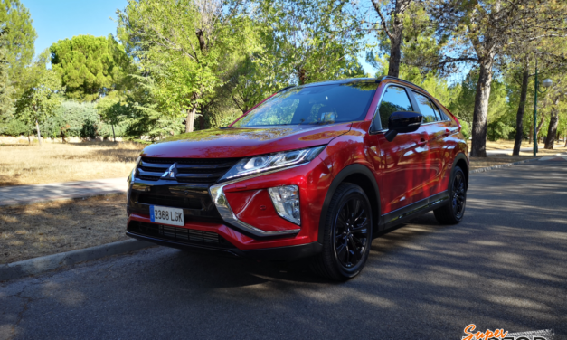 Al volante del Mitsubishi Eclipse Cross Black Edition 2020