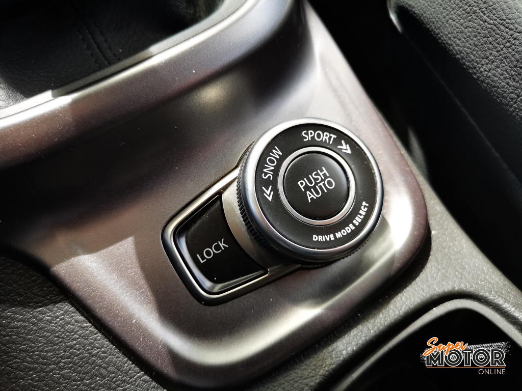 Al volante del Suzuki Vitara Hybrid 2020