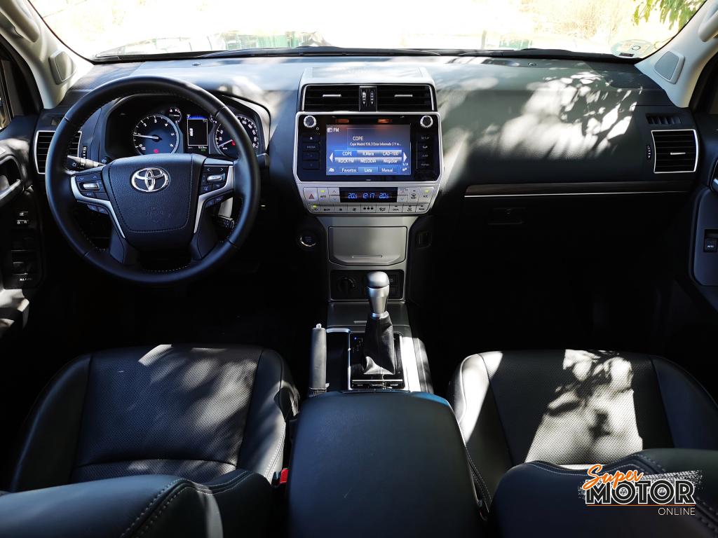 Al volante del Toyota Land Cruiser 2020