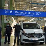 Sale de la planta Mercedes-Benz en Vitoria el primer EQV fabricado en serie