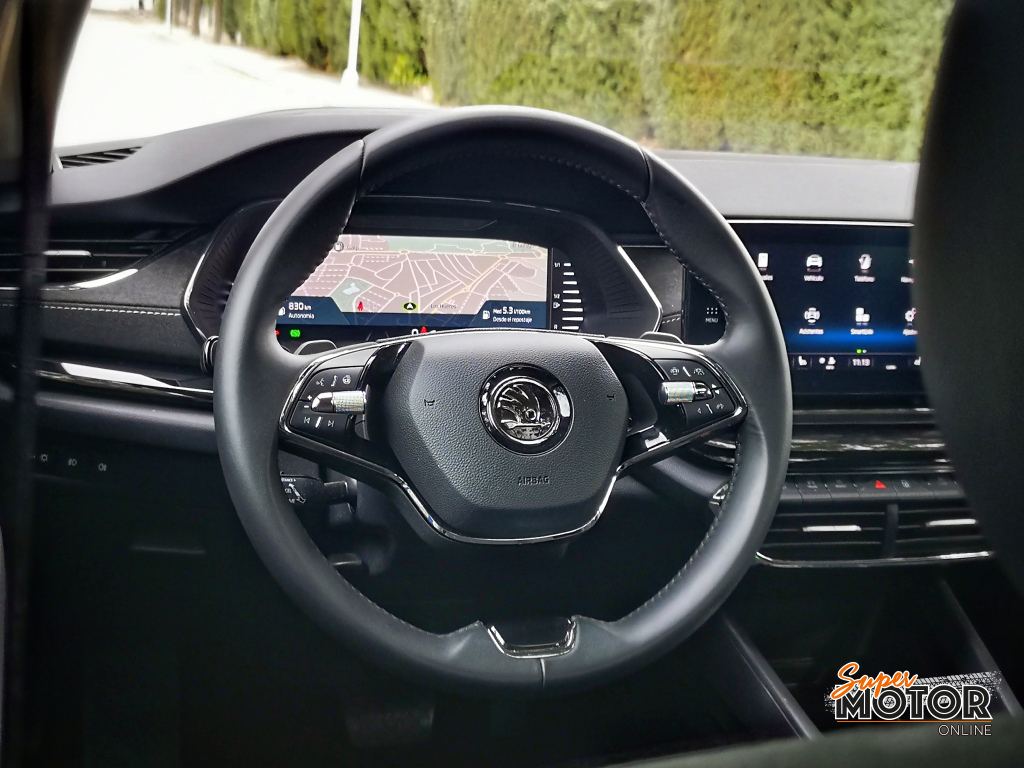 Al volante del Skoda Octavia Combi 2020
