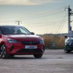 Comparativa coches eléctricos; MINI-e y Corsa-e.