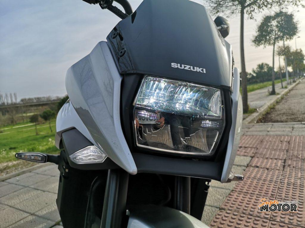 Rodando con la Suzuki Katana 2021