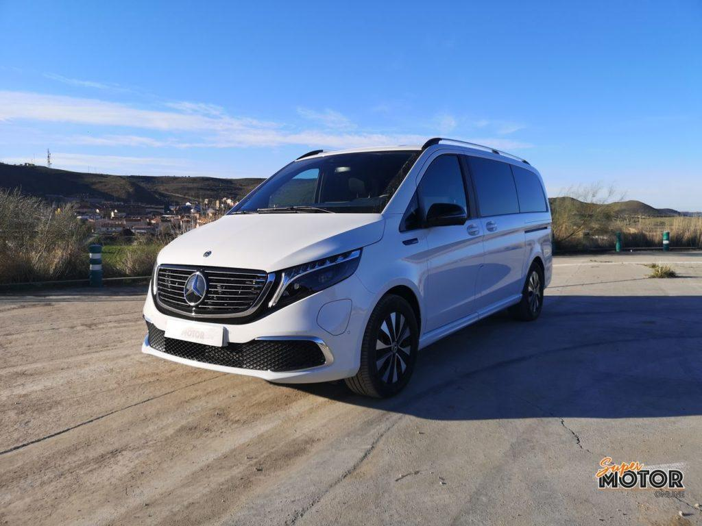 Al volante del Mercedes EQV 300 2021