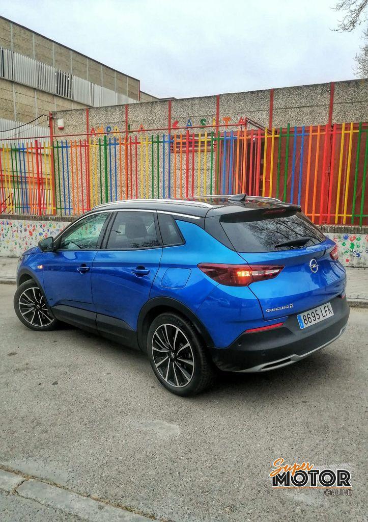 Al volante del Opel Grandland X PHEV 4X4 2021