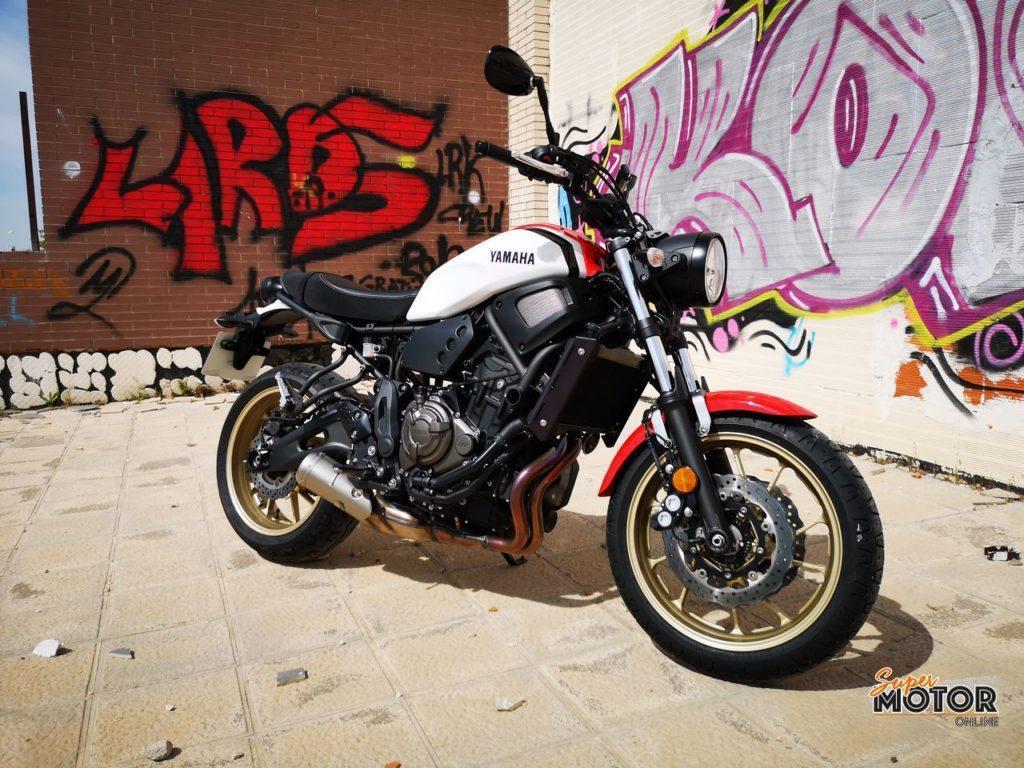Rodando con la Yamaha XSR 700 2021