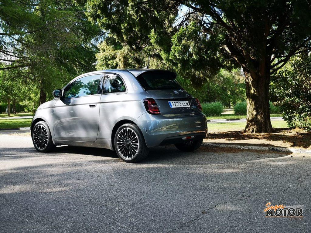 Al volante del Fiat 500e 2021