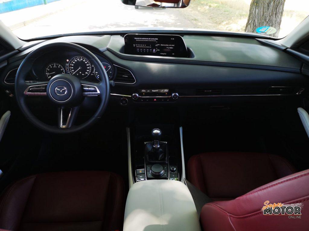 Al volante del Mazda CX-30 e-SKYACTIVE-X 2021