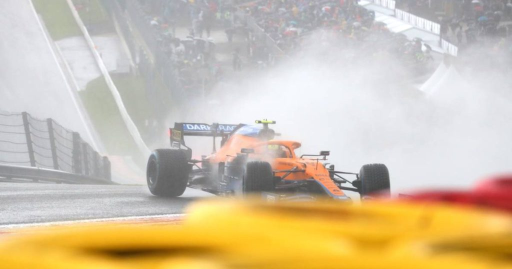Lando Norris accidente GP belgica 2021